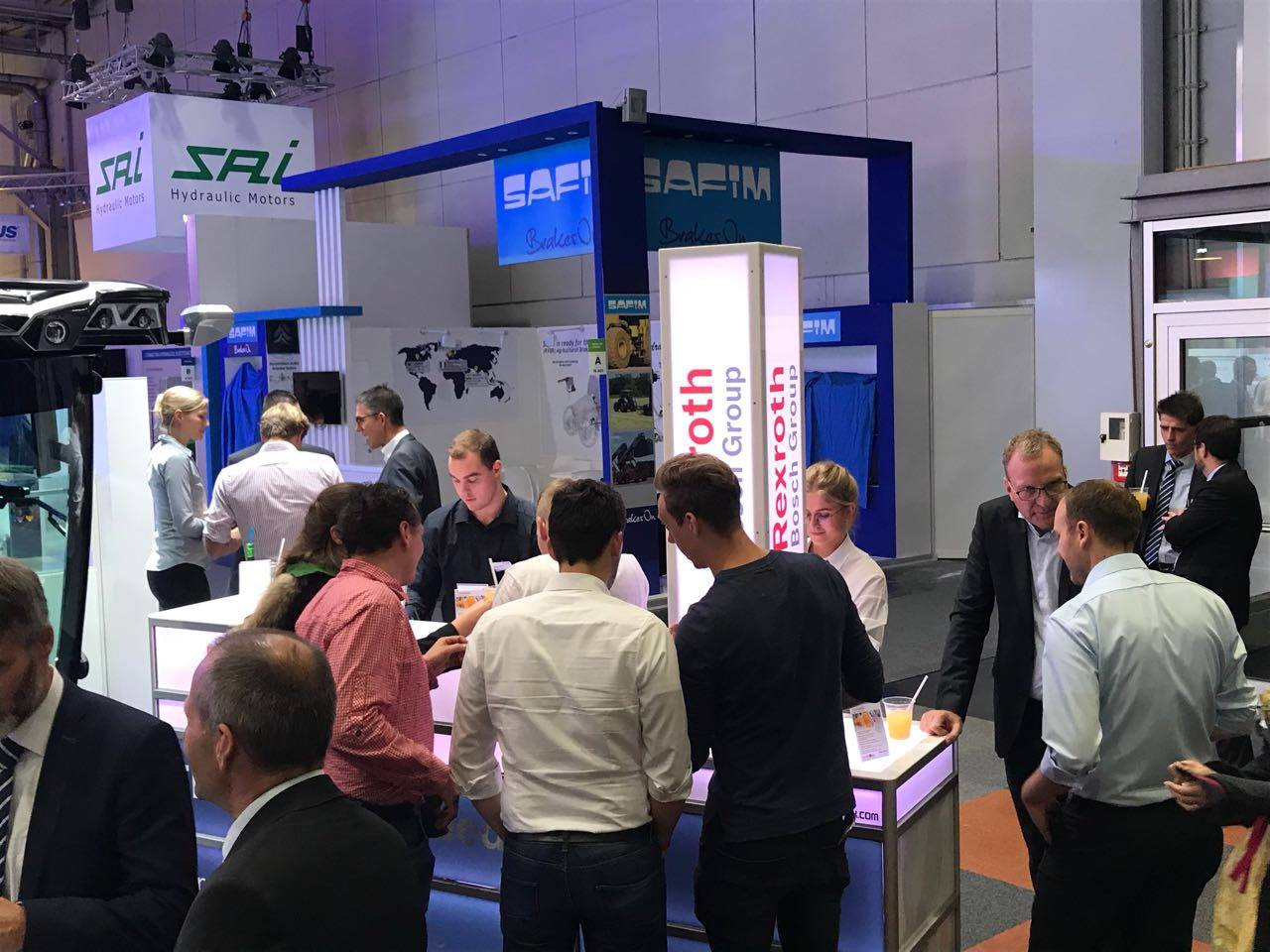 Rexroth_Bosch_Group_Messe_Hannover_2017_cocktail-box_2