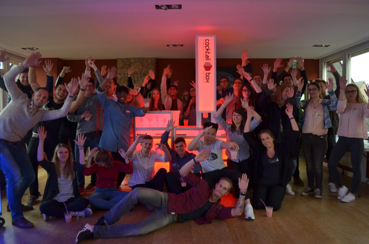 Servicekräfte Meeting der cocktail-box in Köln im Rheinloft