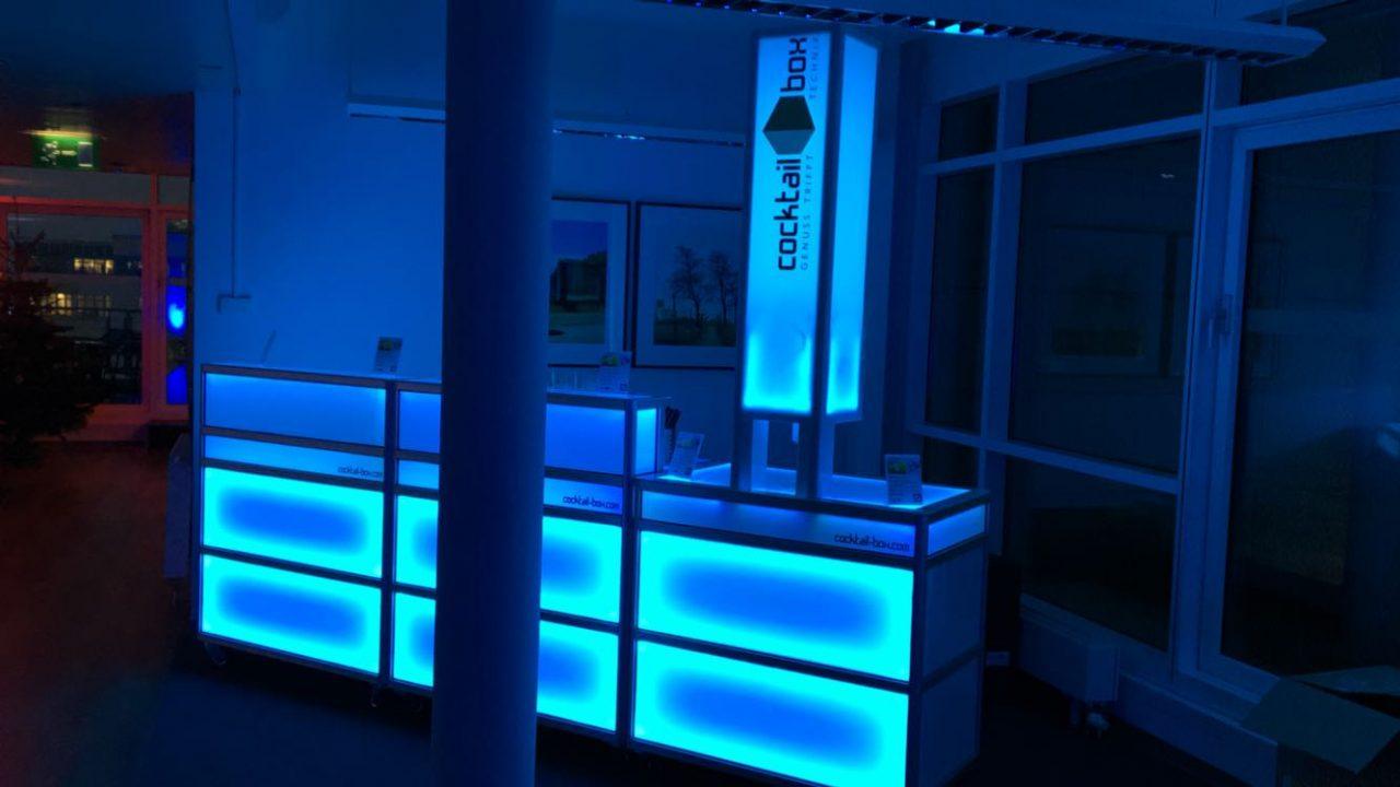 r ckblick 2016 mobile cocktailbar bar cocktailmaschine automat cocktail catering party service. Black Bedroom Furniture Sets. Home Design Ideas