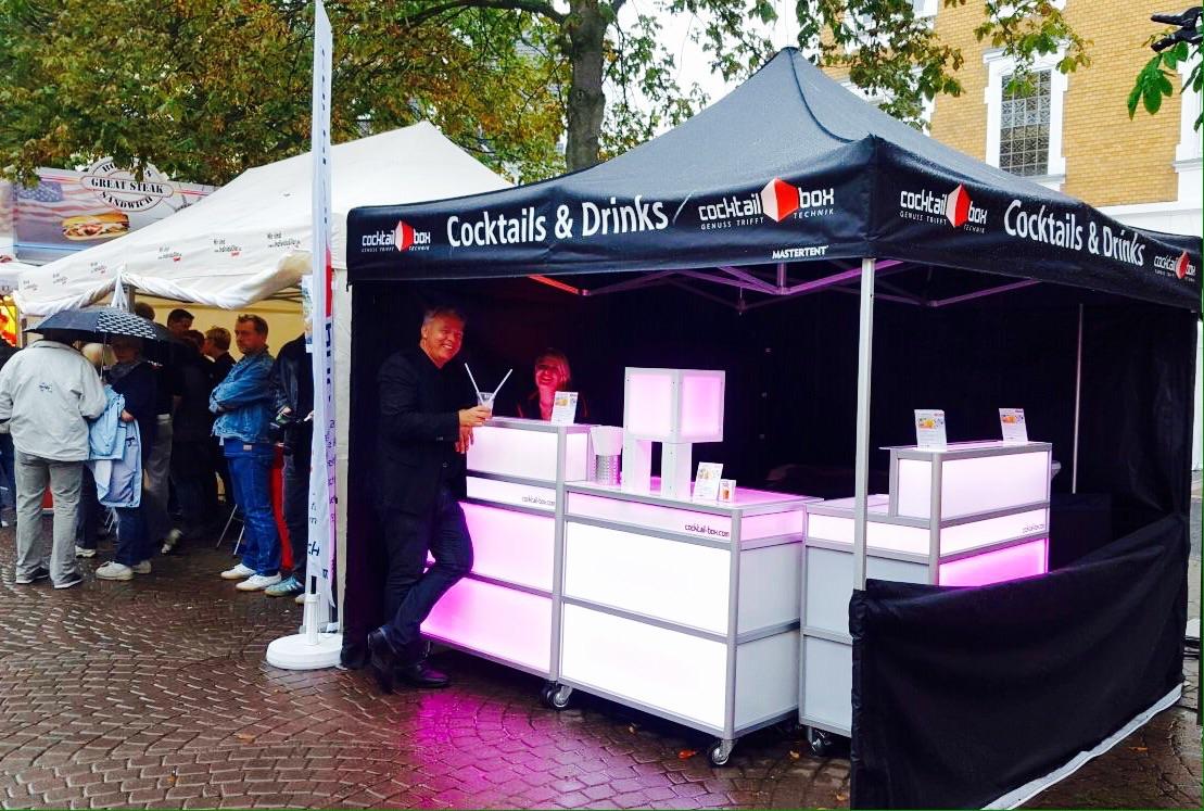 cocktail-box-die-Cocktailmaschine-mobile-Cocktailbar-Gumbertsrassenfest3