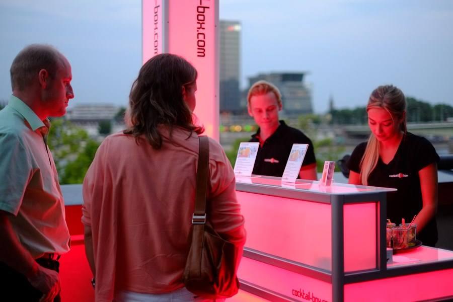 cocktail-box-die-Cocktailmaschine-und-mobile-Cocktailbar_KölnerLichter2