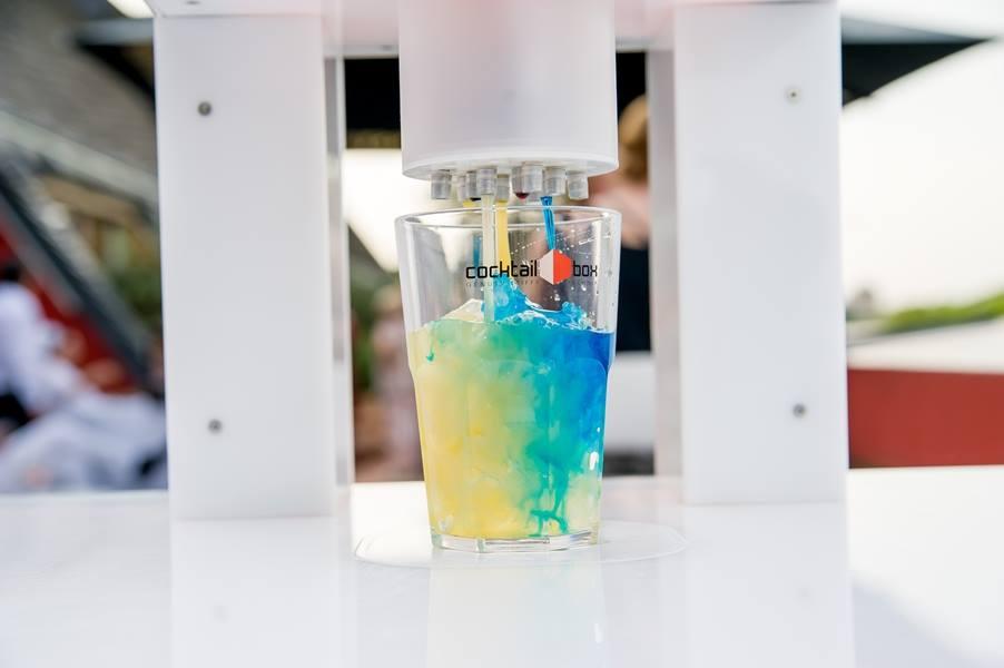 cocktail-box-die-Cocktailmaschine-und-mobile-Cocktailbar_KölnerLichter3