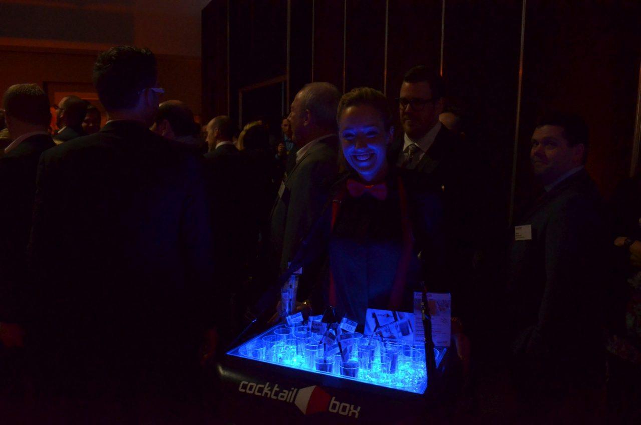 cocktail-box.com_mobile-Cocktailbar_Best_of_Events_Bauchladen2